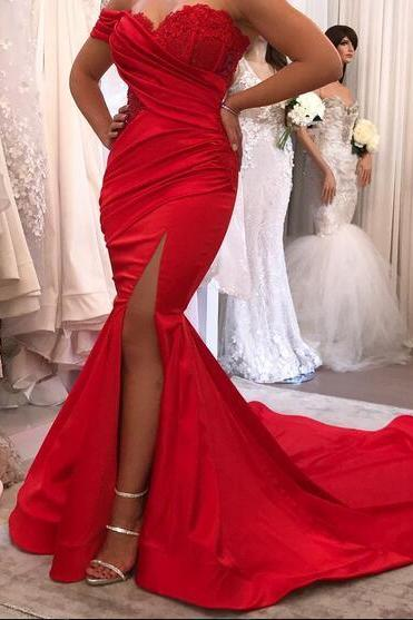 Sexy 2018 Red Mermaid Satin Prom Dresses Off the Shoulder Lace Bodice Side Slit Evening Dress Formal Gowns Vestidos