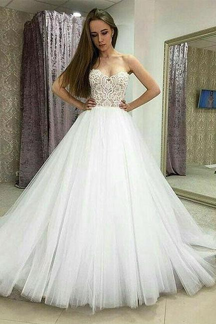 Strapless Sweetheart Lace Tulle Ball Gown Wedding Dress