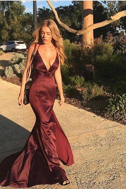 Fitted Sexy Deep V Neck Formal Evening Gown Burgundy Party Dress With Spaghetti Straps