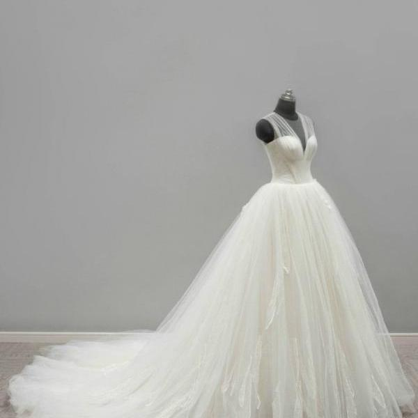 Puffy Tulle Wedding Gown SW02